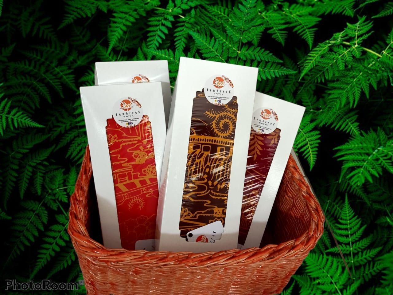Batik motif gapura melati